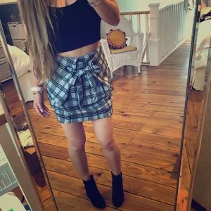 Dresses & Skirts - Plaid tie front skirt